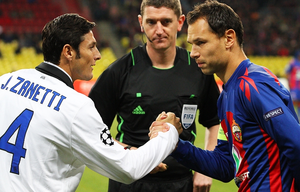 Sergei Ignashevich - Ignashevich shaking hands with Javier Zanetti before a Champions League match against Internazionale in 2011