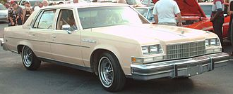Downsize (automobile) - Image: '77 Buick Electra Park Avenue