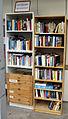 Öffentliches Bücherregal in Freiburg-Vauban, Paul-Klee-Straße 8.jpg
