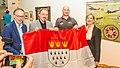 Übergabe Köln-Fahne durch Alexander Gerst-5890.jpg