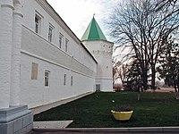 Башня и стена внешняя, Николо-Пешношского монастыря, посёлок Луговой.jpg