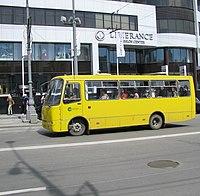 ...изменения в ПДД для выделения отдельных полос для маршрутного общественного транспорта и полос для машин...