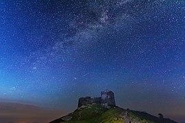 Зоряна ніч над обсерваторією.jpg