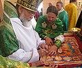Митрополит Мефодій освячує храм в Свято-Серафимівському скиті 1 серпня 2014 р.jpg