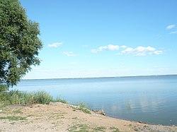 Озеро Неро. Берег в Ростове Великом.JPG