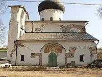 Собор Мирожского монастыря. Апрель 2011.JPG