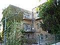 מבט מהצד על הבית שבו גר טשרניחובסקי בירושלים (4684953735).jpg