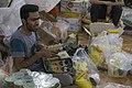 بسته بندی کمک های بشردوستانه و مردمی برای زلزله زدگان قصر شیرین Humanitarian aid- Iran Kermanshah 04.jpg