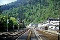 118R12250584 Fahrt von Wörgl nach Salzburg, Bahnhof Zell am See.jpg