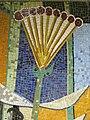 1220 Saikogasse 6-8 - Rudolf Köppl-Hof - Stg 15 - Mosaik Schafgarbe von Alois Schönauer 1967 IMG 1024.jpg
