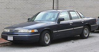 1993-1994 Ford Crown Victoria -- 01-28-2010.jpg