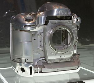 Nikon D4 - Nikon D4 magnesium-alloy frame