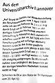 2013-11-20 Gedenken NS-Opfer Uni Hannover (02) Transparent mit einem Zitat aus dem Schreiben des REM an den Rektor der TH, Universitätsarchiv zur Entlassung von Theodor Lessing.jpg