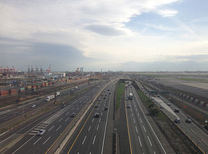 Interstate 95 in New Jersey - View south along the turnpike from a plane landing at Newark Airport