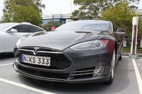 2015 Tesla Model S hatchback (24391104165).jpg