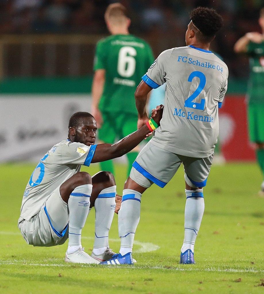 File:2018-08-17 1. FC Schweinfurt 05 vs. FC Schalke 04 (DFB-Pokal) by Sandro Halank–583.jpg - Wikimedia Commons