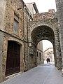 257 Portal del Comte (Peralada), façana est.JPG