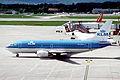 354ai - KLM Boeing 737-306, PH-BDN@GVA,08.05.2005 - Flickr - Aero Icarus.jpg