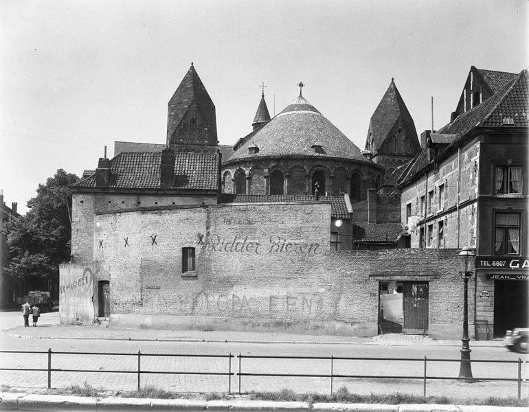 File:63, alsuitmuren met gedeelte zijgevel Onze Lieve Vrouwekade 18 - Maastricht - 20149892 - RCE.jpg