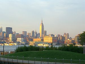 English: Midtown Manhattan, as seen from Frank...