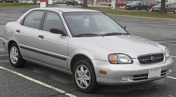 1999–2000 Suzuki Esteem sedan (US)