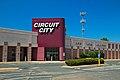 Abandoned Circuit City (19842241235).jpg