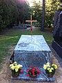 Adam Hanuszkiewicz - grave 2.jpg