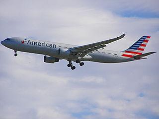 Airbus A330-300 (N271AY) de American Airlines.JPG