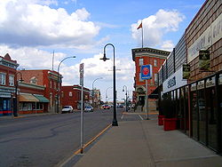 Die Main Street in Lacombe