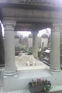 Alexandre Dumas fils tombe.jpg