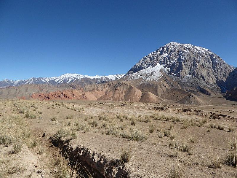 Along M41 road Kyrgyzstan (2) (32585675025).jpg