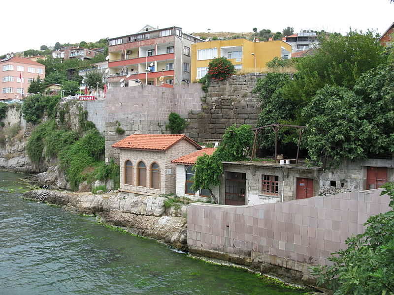 File:Amasra (view from the bridge).jpg