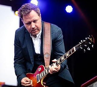 Andy Dunlop British musician