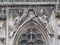 Anges de la façade de la cathédrale de Toul.JPG