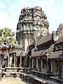 Angkor Wat Gopuram 12.jpg