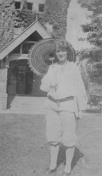 File:Anita Marburg, 1923 (4168845943).jpg