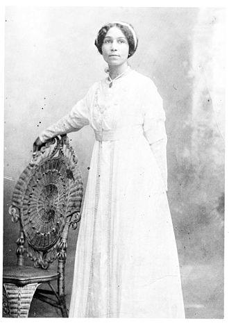 Anne Spencer - Anne Bethel Spencer in her wedding dress, 1900
