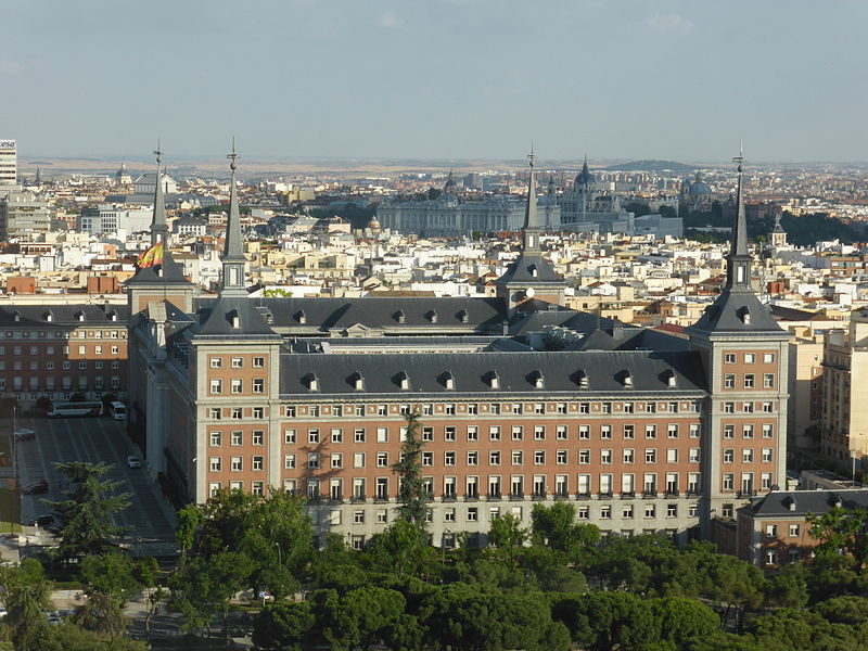 Antiguo Ministerio del Aire, en Madrid, desde un ascensor del Faro de Moncloa.JPG