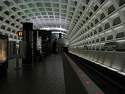 Archives-Navy Mem'l-Penn Quarter Metro Station.JPG