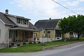 Argyle Street houses in Petrolia.jpg