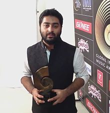 Arijit singh at GiMA Awards 2015.jpg