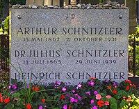 Arthur Schnitzler Wien Zentralfriedhof 1 Tor.jpg