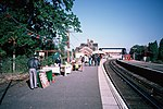 BR SR electric trains at Lingfield (1987-1988) 03.JPG
