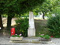 Bars (24) monument aux morts.JPG