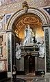 Basilica st Giovani in Laterano 2011 15.jpg