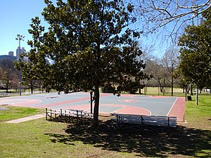 Central Park (Atlanta) - Basketball courts in Central Park