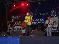 "BeZ bileta performing at the ""Fiesta Borealis"" festival in 2006.jpg"