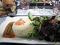 Beaumes-de-Venise Papeton d'aubergine et mesclun de salade.jpg