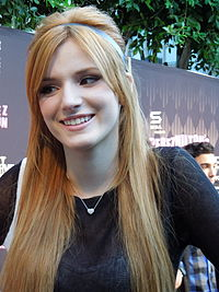 Bella Thorne bei Perez Hiltons One Night In… L.A. (2012)