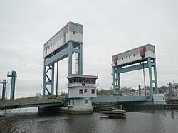 Belleville Turnpike lift bridge SW cloudy jeh.jpg